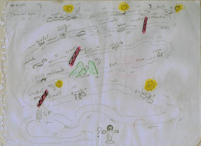 Criança refugiada no Brasil conta suas histórias através de desenhos