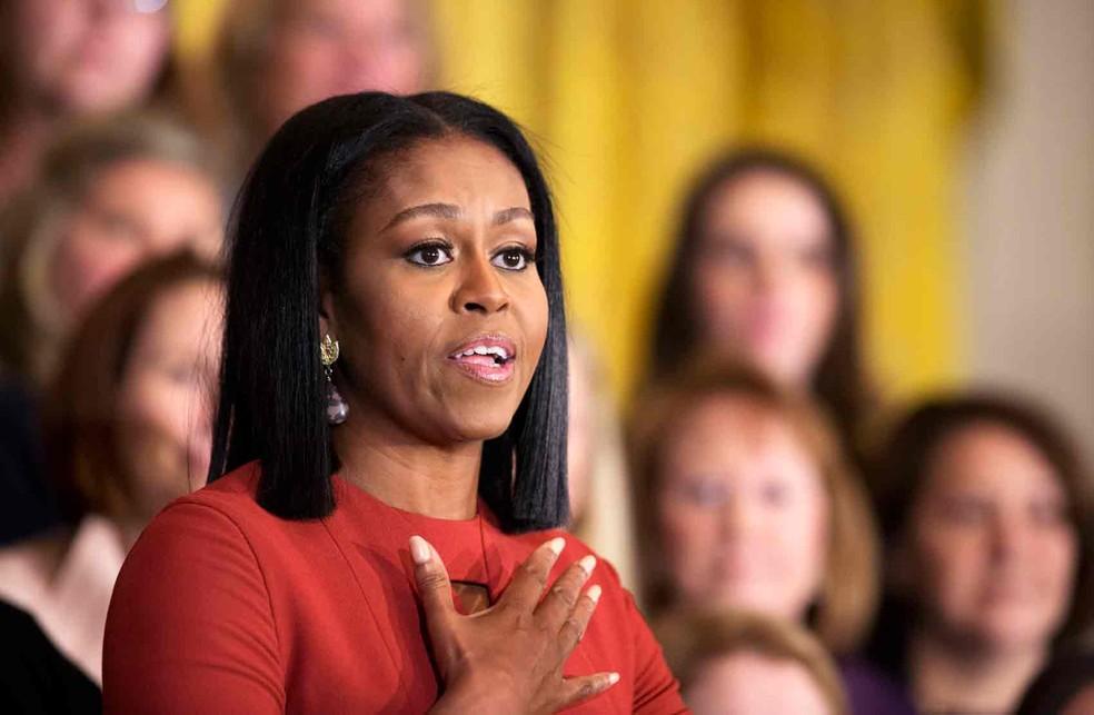 """Em seu último discurso como primeira-dama, Michelle Obama diz que imigrantes """"transformaram os EUA na melhor nação do mundo"""""""