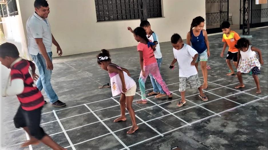 """""""Direitos Humanos e Infâncias em Movimento"""": Projeto acolhe e promove a integração de crianças migrantes, refugiadas e brasileiras"""