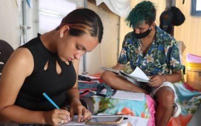 Abrigados em Roraima, adolescentes venezuelanos superam barreiras para estudar durante a pandemia