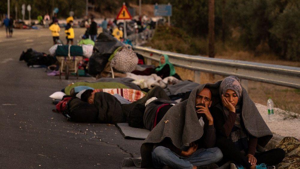 Brasileiras relatam experiência no campo incendiado em Lesbos