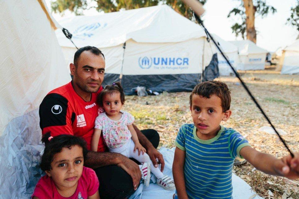 ACNUR expande abrigamento para solicitantes de refúgio em Moria e pede soluções para lidar com a superlotação nas ilhas gregas