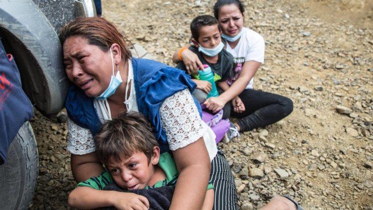 Guatemala: uma caravana de migrantes privados de tudo