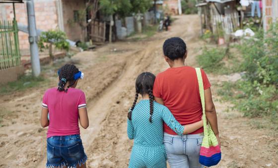 Luta por direitos das mulheres e meninas em situação de migração e refúgio