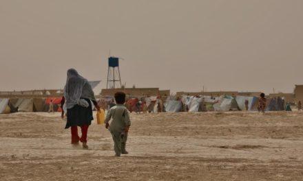 Conflito do Afeganistão é o que mais afeta mulheres e crianças deslocadas